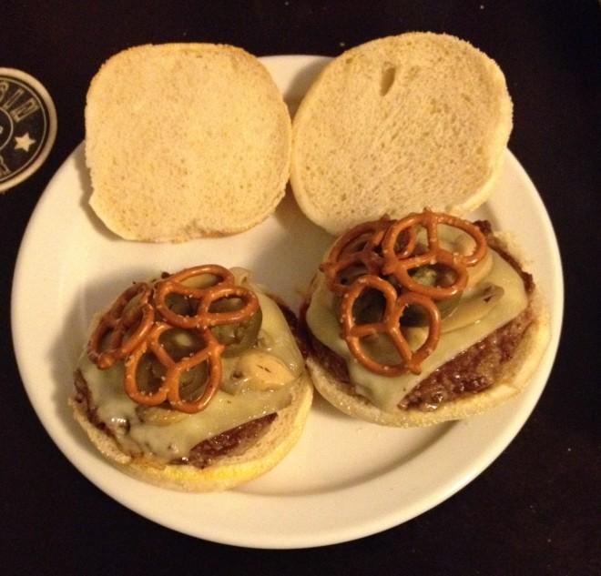 swiss_mushroom_burger (11)