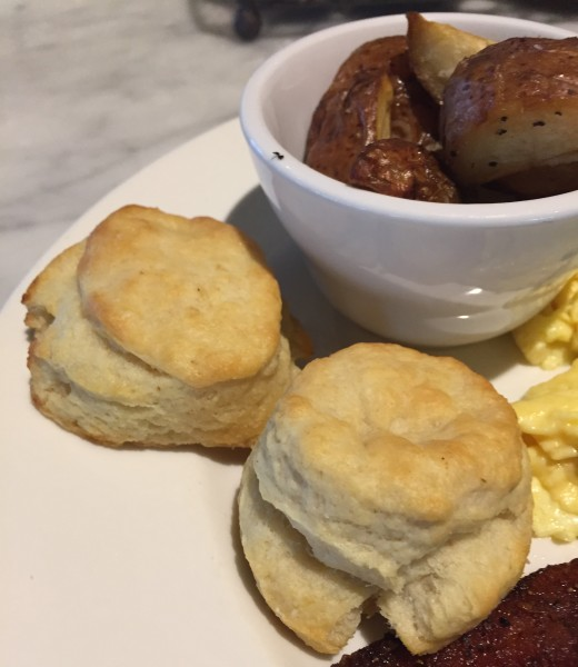southern_steak_biscuits (2)