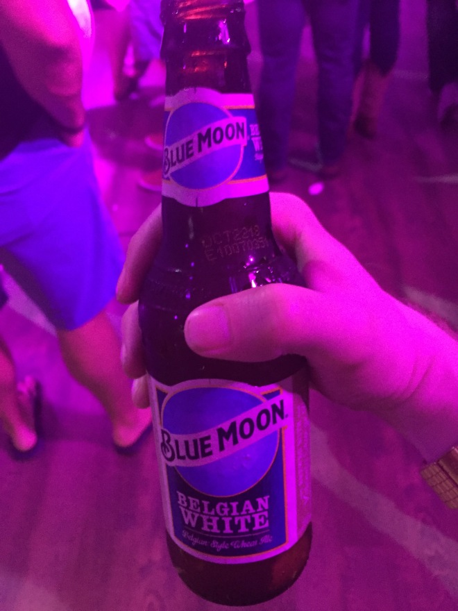 blue_moon_bottle (3)