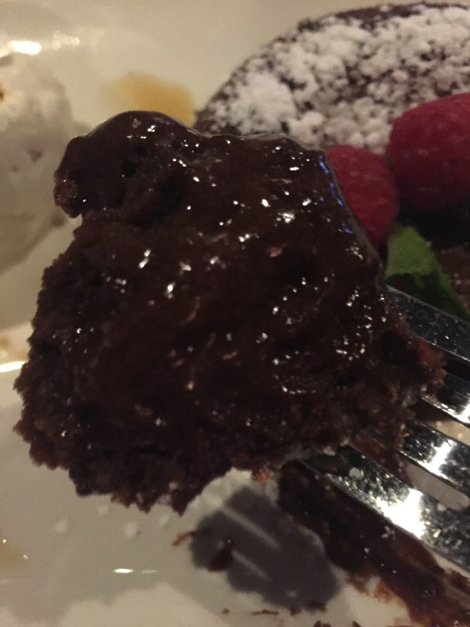 mortons_hot_chocolate_cake (8)