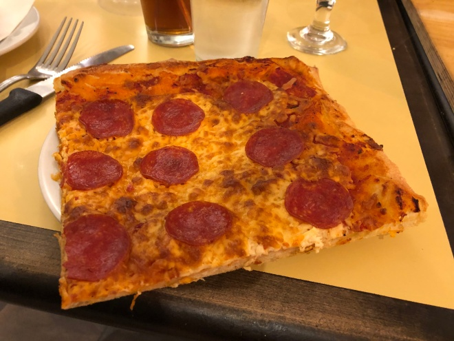 franks_giant_pepperoni_slice (4)