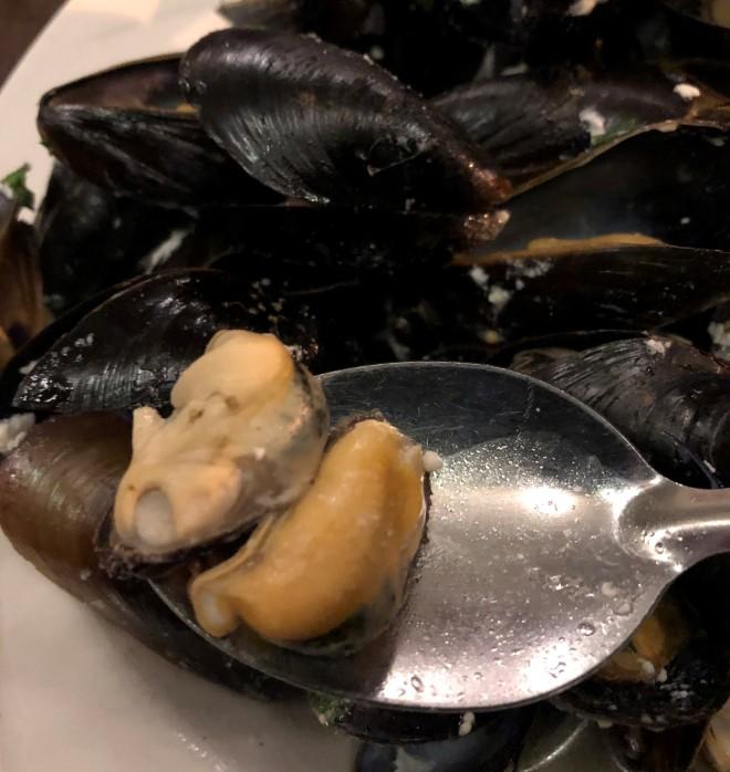midi_bistro_quebec_mussels (8)