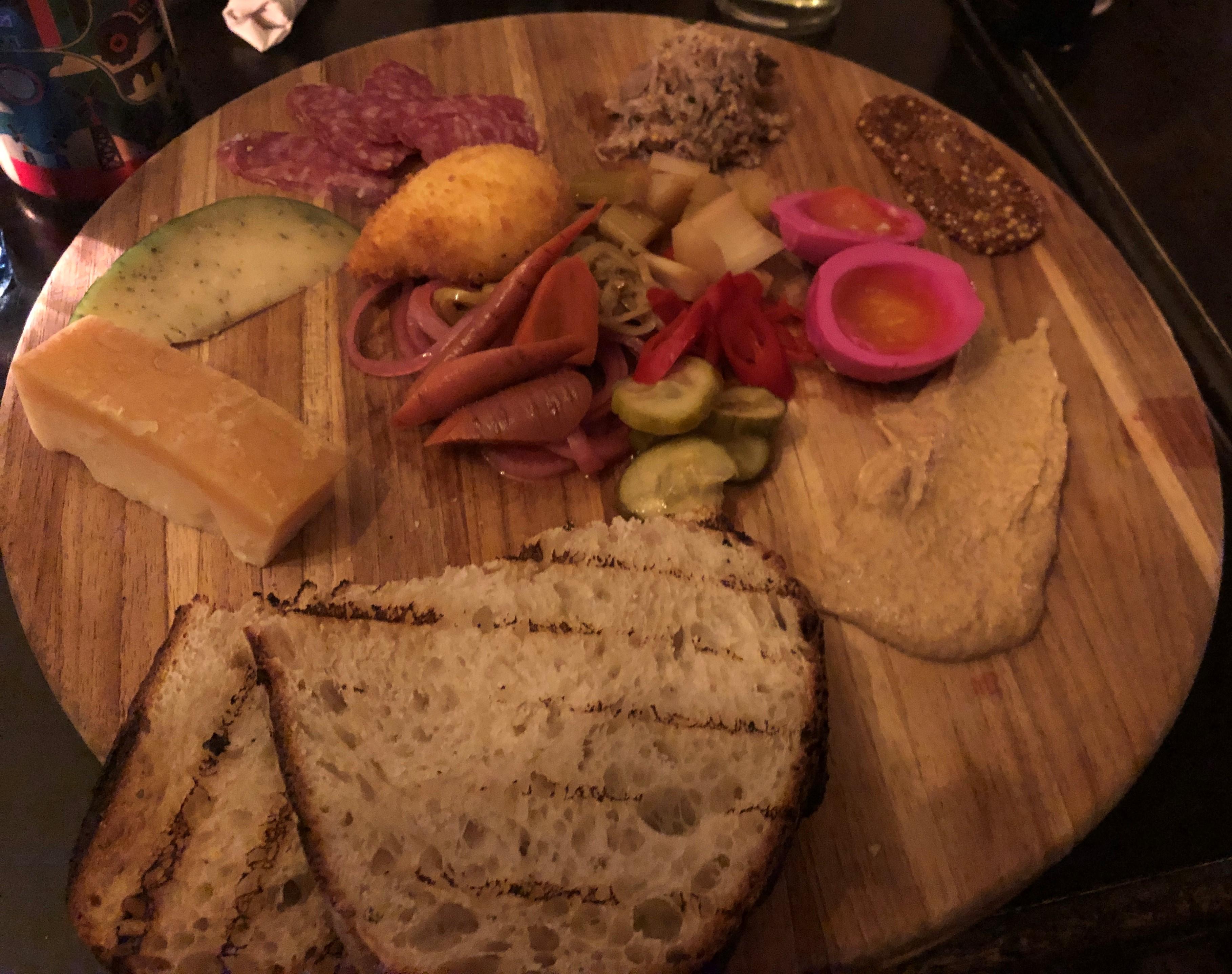 farmhouse_ploughmans_platter (5)