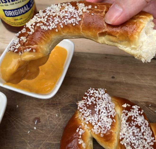 rec_room_giant_pretzel (8)